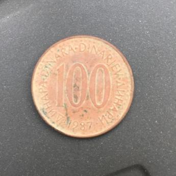 Ob izkopu zemlje za temelje smo našli star kovanec iz leta 1987!